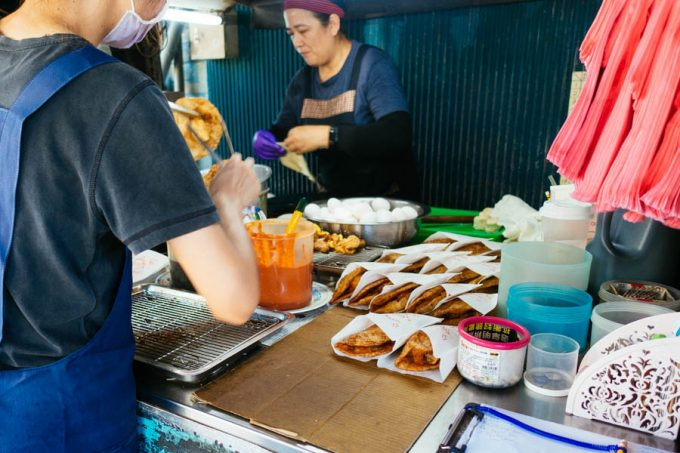 老牌炸蛋蔥油餅(藍色車創始店)